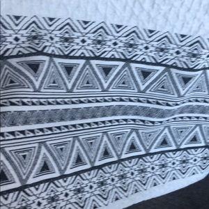 41 Hawthorn Skirts - Knee length embroidered pencil skirt